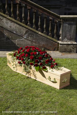 F001D   Double Ended Rose Coffin Spray